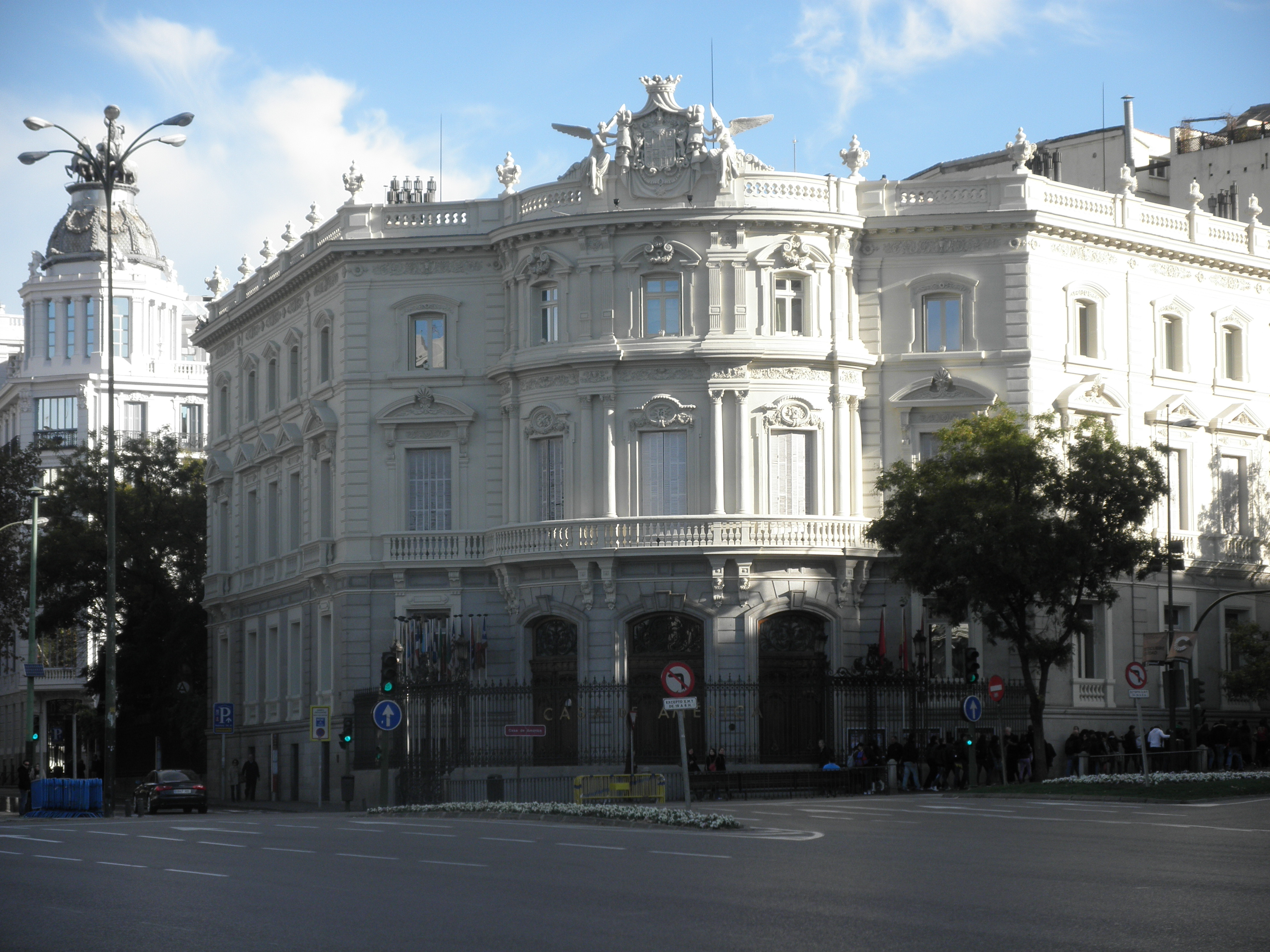 Plaza de cibeles y su entorno madrid i mis viajes y for Casa america madrid